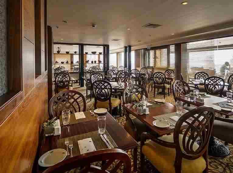 חדר אוכל פנימי -ספא מלון יערות הכרמל